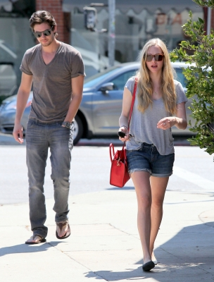 Sept 4 2012 Out With Amanda Seyfried In La 004 Ben